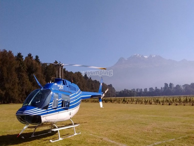 A helicopter flight to propose