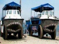 Amphibious ship