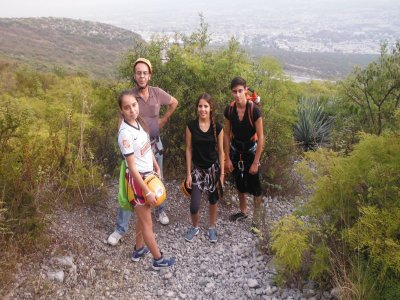 Hike to the Nest of the Aguiluchos with rappel
