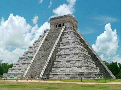 Tour a Chichén Itzá visita a Cenote y Valladolid