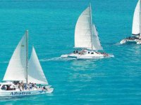 Catamaran tour + buffet. Isla Mujeres.