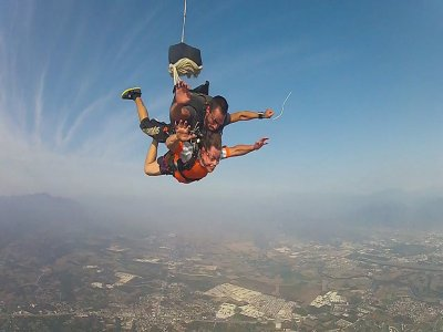 Parachute jump Querétaro to Tequesquitengo