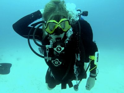 Divemaster course, Carmen Beach, 2 weeks