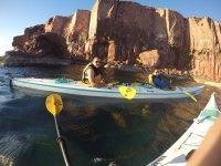 Recorre la isla en kayak