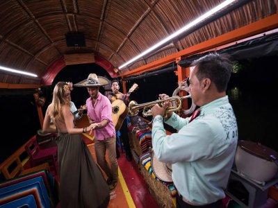 Tour en trajinera todo incluido en Cancún