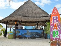 Boat tour around Isla Mujeres for adults