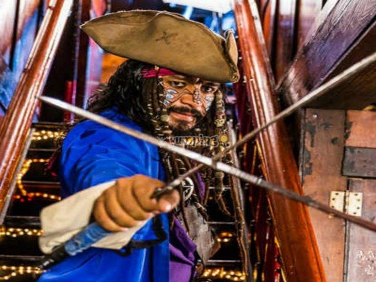 Luchando contra el otro pirata