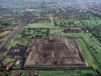 Fly over teotihuacan