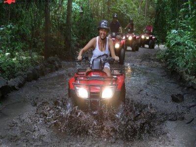 Ruta en cuatrimoto a Caverna de Jade en Cozumel