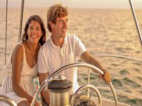 Navega con nuestro velero