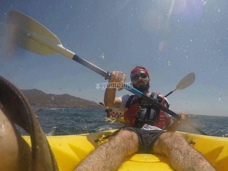 Kayak y remos.jpg