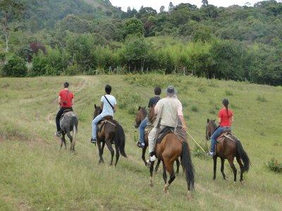 Ruta a caballo y comida en Sierra de Juárez