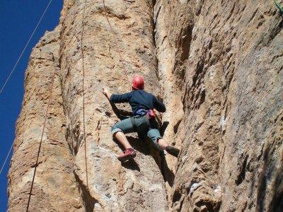 Rappel y escalada en Májalca, en Chihuahua