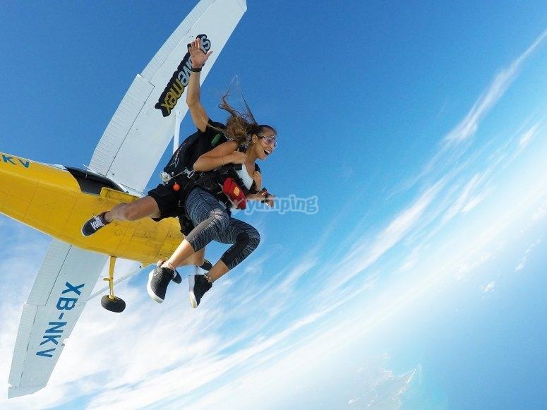 Salto desde avioneta en Playa del Carmen