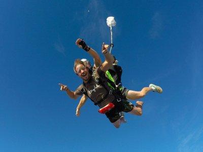 Skydiving for residents in Playa del Carmen