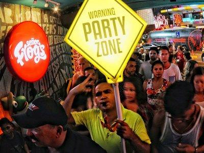 Bongo Tour Discotecas Cancún Domingo a Viernes