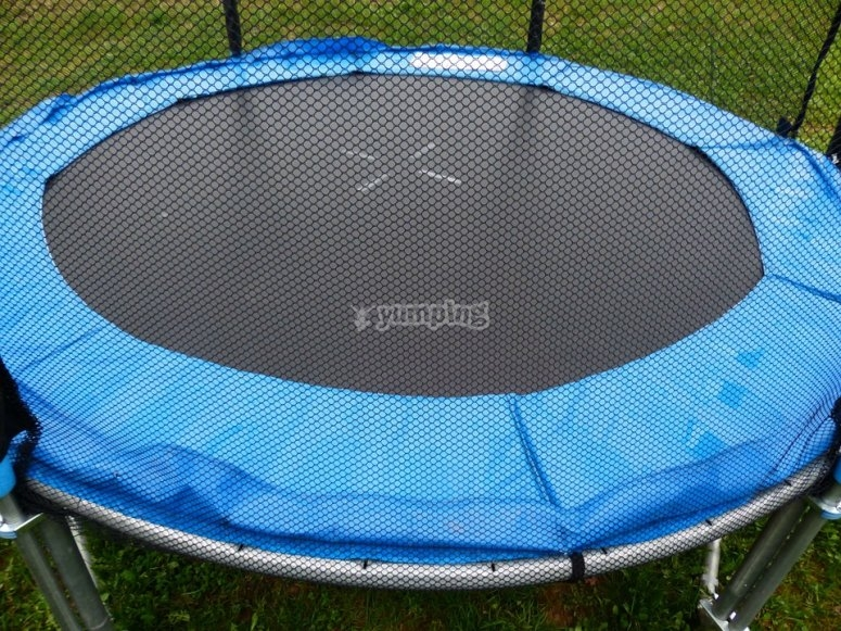 Trampoline for 4 people