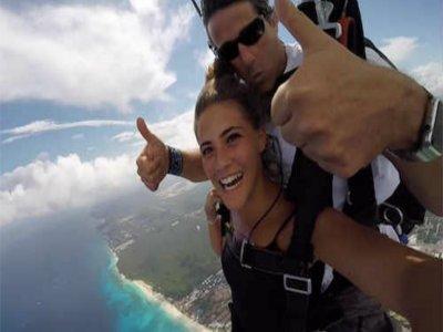 Salto en paracaídas en Playa del Carmen