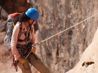 Challenge the heights in the rappel descent