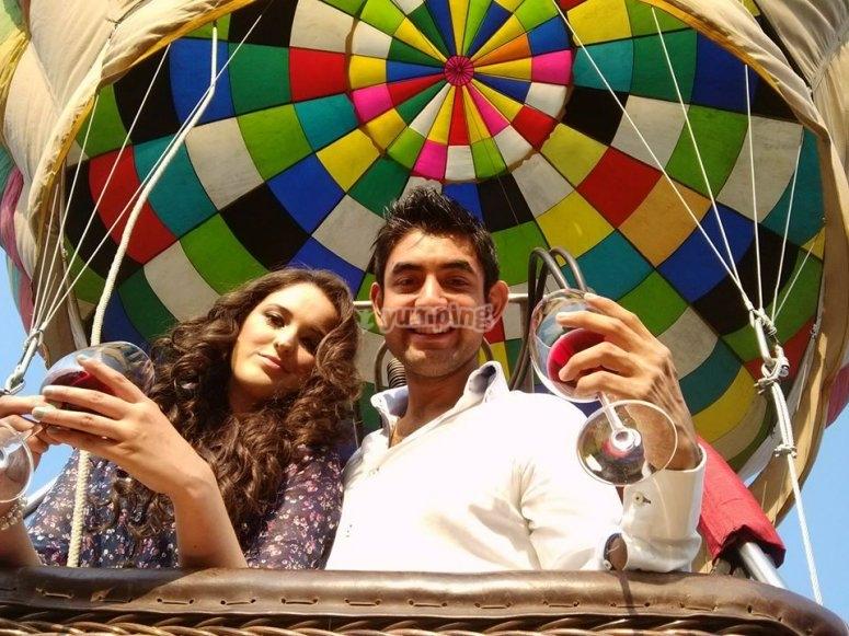 pareja en globo