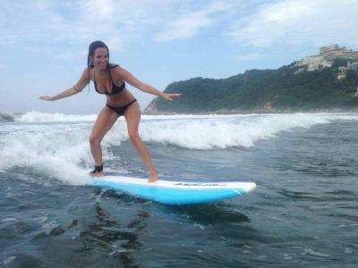 Alquiler tabla de surf 1 hora en Acapulco