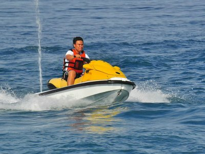 Moto acuática Playa Revolcadero en Acapulco 30min