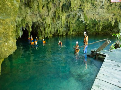 Natural well snorkeling at Yai-ku for kids