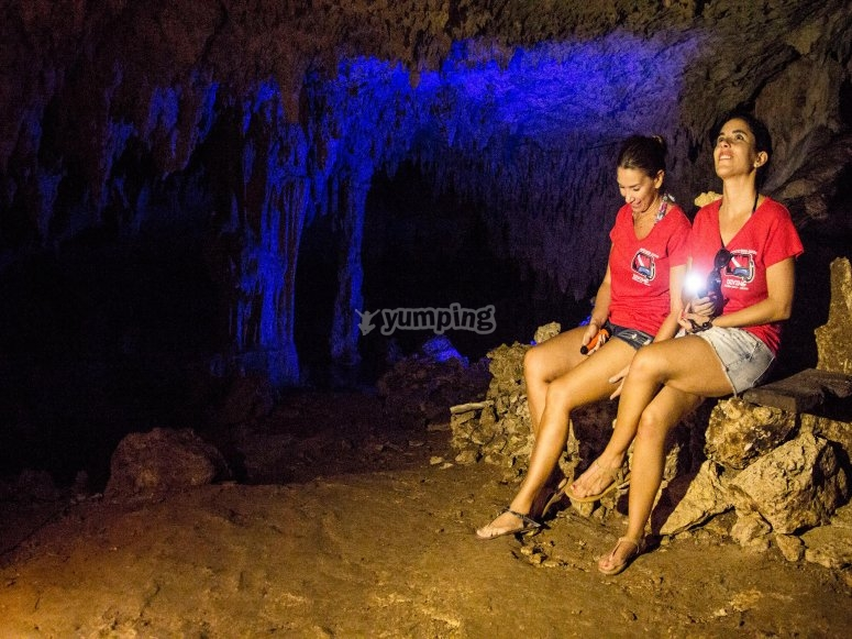 grutas iluminadas.