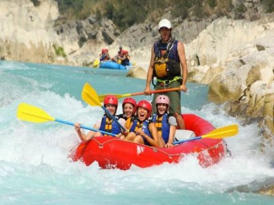 Rafting level III, Tampaon River, 8 hrs.