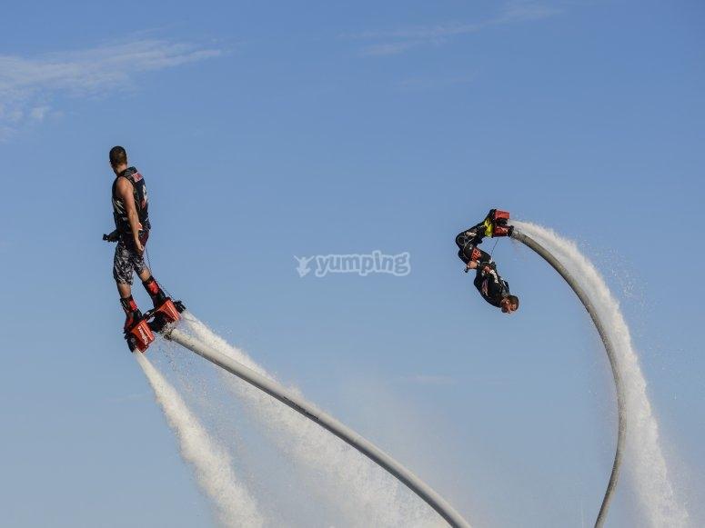 Volando juntos en Flyboard