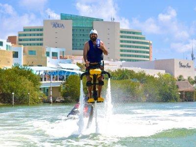 Vuelo en jetovator tándem en Cancún  20 min