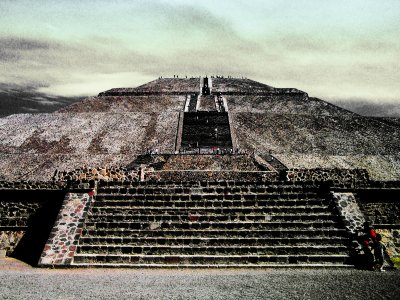 Guided tour in Teotihuacán by sunset