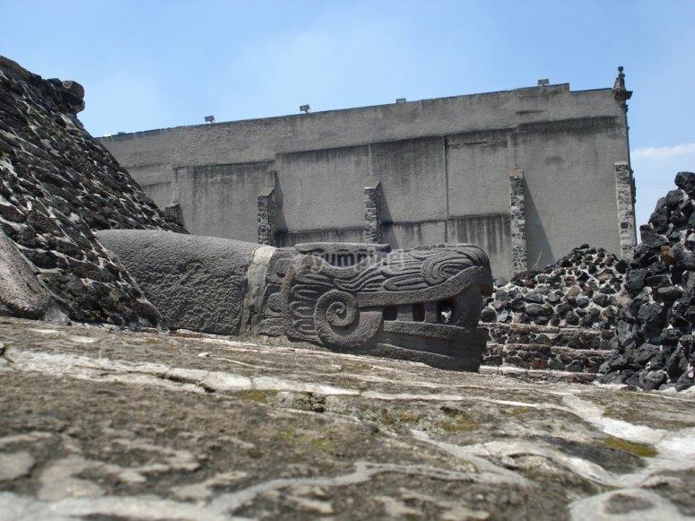 Templo Mayor snake