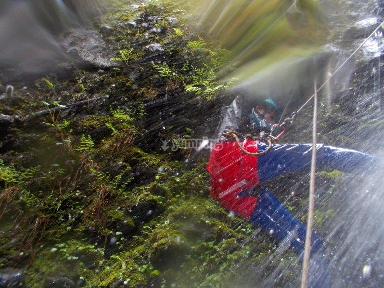 descendiendo con el agua