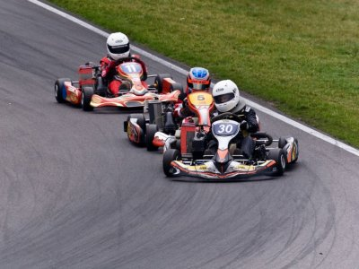 Karting race for 30 minutes in Izcalli