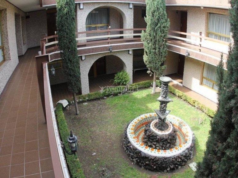 El patio del resort.