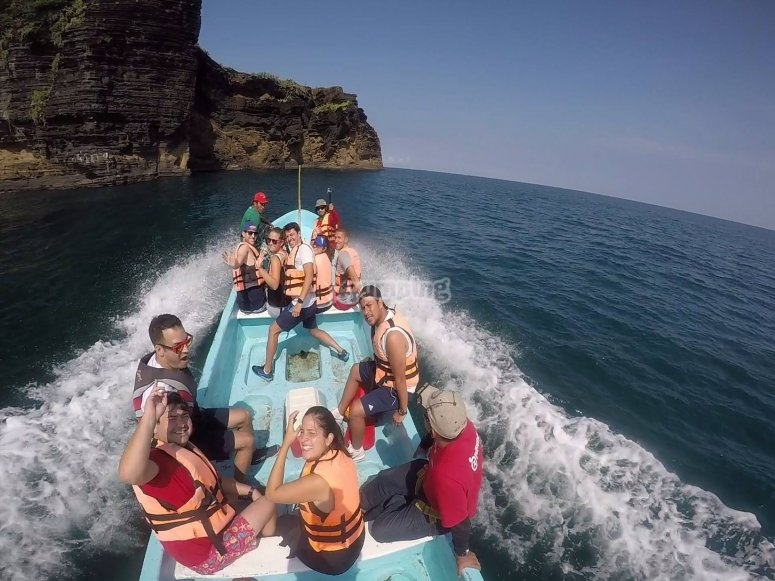 Speedboat ride in Roca Partida