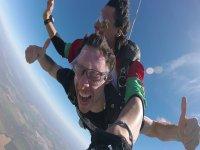 Saltando en caída libre