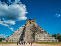 Majestuosa pirámide de Chichen-Itzá