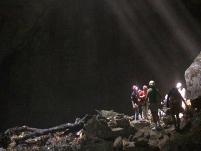 Caving and abseiling beginners Cuetzalan 7 h