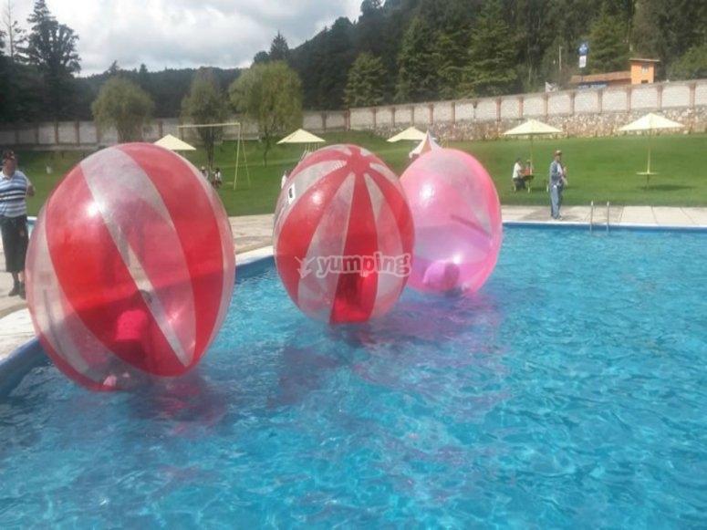 pelotas acuaticas