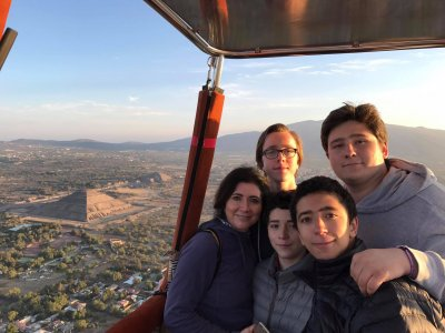 Balloon flight and breakfast in Teotihuacán kids