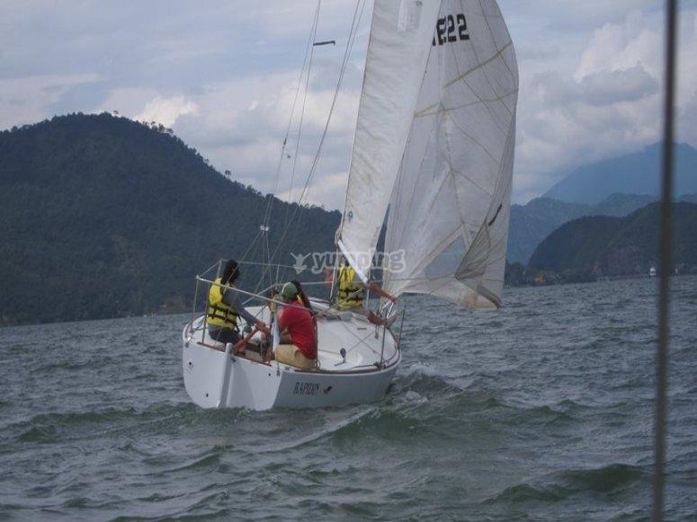 Paseo en barco por Valle de Bravo