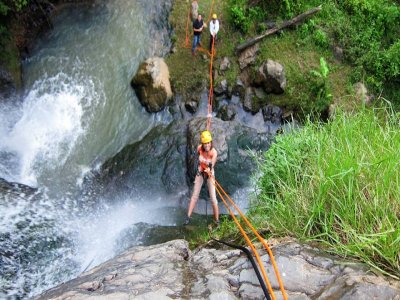 Climbing and rappel in Tilostoc waterfalls
