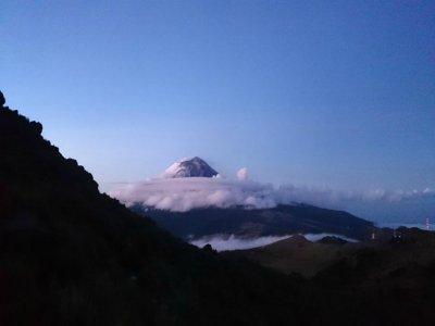 Ascending to Iztaccíhuatl volcano