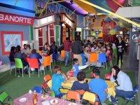Salon de fiestas e invitados