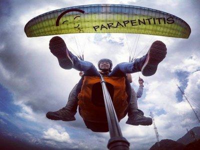 Vuelo en parapente tándem en Colima, 20-30 min