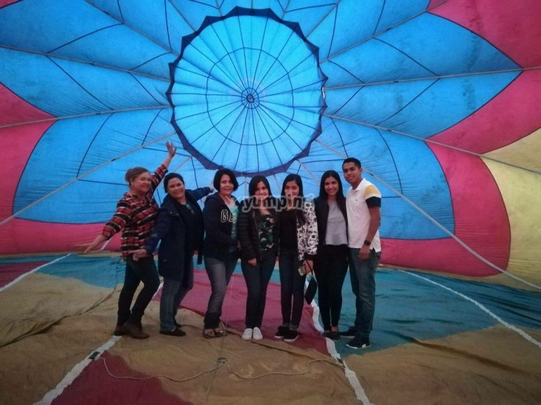 Familia en globo