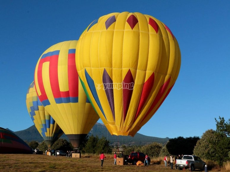 Balloons in the take-off zone of Puebla