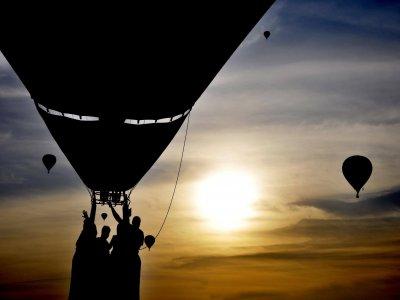Vuelo en globo compartido al amanecer en Puebla